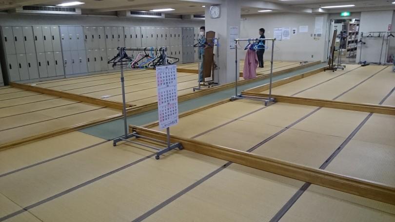 水産加工会社大手の畳敷休憩室293枚の表替え完了\(^_^)/   日曜日だけの施工でした。